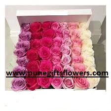 100 Valentine roses in a box