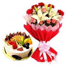 A bouquet of lilies and 1 kg fruit cake