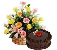 Arrangement of 12 roses and 1/2 kg cake