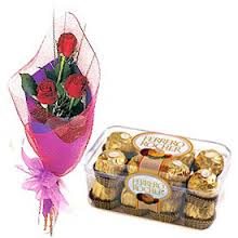 Bouquet of 3 roses and 16 ferrero chocolates