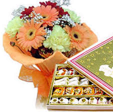 6 flowers bunch with 250 gms mithai
