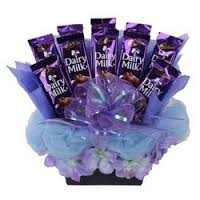 10 silk chocolates in a basket