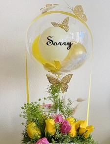 SORRY printed transparent balloon with 8 red roses arrangement