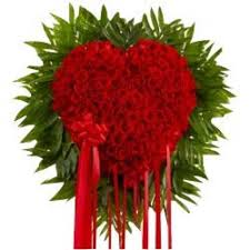 200 red roses heart